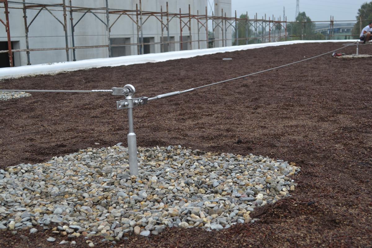 Sistema anticaduta autoportante per tetti verdi sicurpal for Piani casa linea tetto singolo